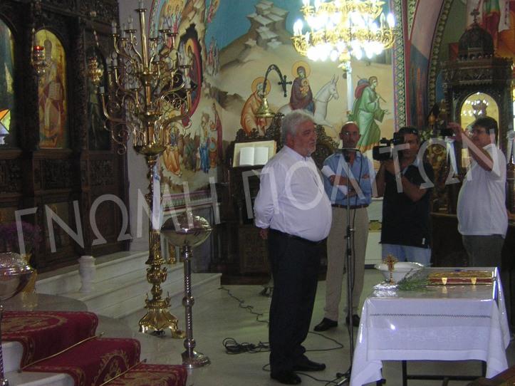 """""""Τα του Καίσαρος τω Καίσαρι και τα του Θεού τω Θεώ"""" είπε ο Λεωνίδας Στεργιόπουλος ψέγοντας την απόφαση για την τέλεση της 1ης δημόσιας συνεδρίασης του δημοτικού συμβουλίου, της ορκωμοσίας δηλαδή, στο χώρο του Ιερού Ναού."""