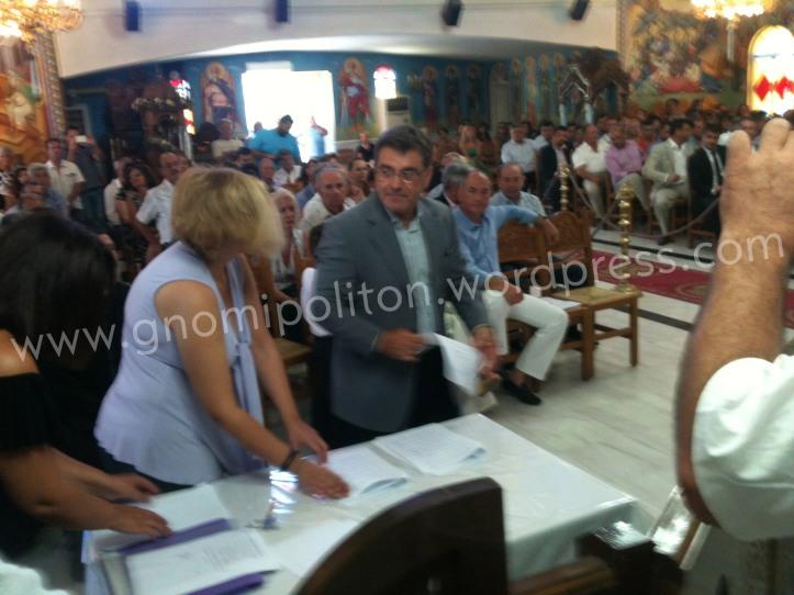 Ο Νίκος Βουδούρης-Τσίτουρας έχει μόλις υπογράφει το πρακτικό