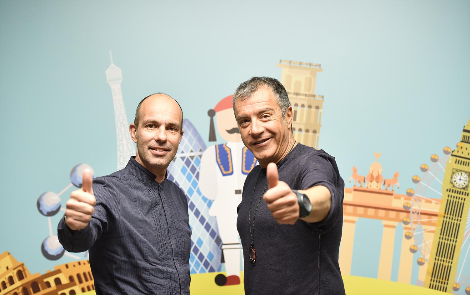 """Ο Γιώργος Σαγιάννης με τον πρόεδρο του """"Ποταμιού"""" Σταύρο Θεοδωράκη."""