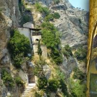 Ο Άγιος Κωνσταντίνος στο Γελήνι Κορινθίας. Το ιστορικό Μοναστήρι με τα σπάνια κειμήλια