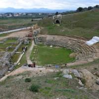 Αρχαίο Θέατρο Σικυώνος: Το μεγαλύτερο θέατρο του αρχαίου ελληνικού κόσμου ένα βήμα πιο κοντά στην πλήρη ανάδειξή του